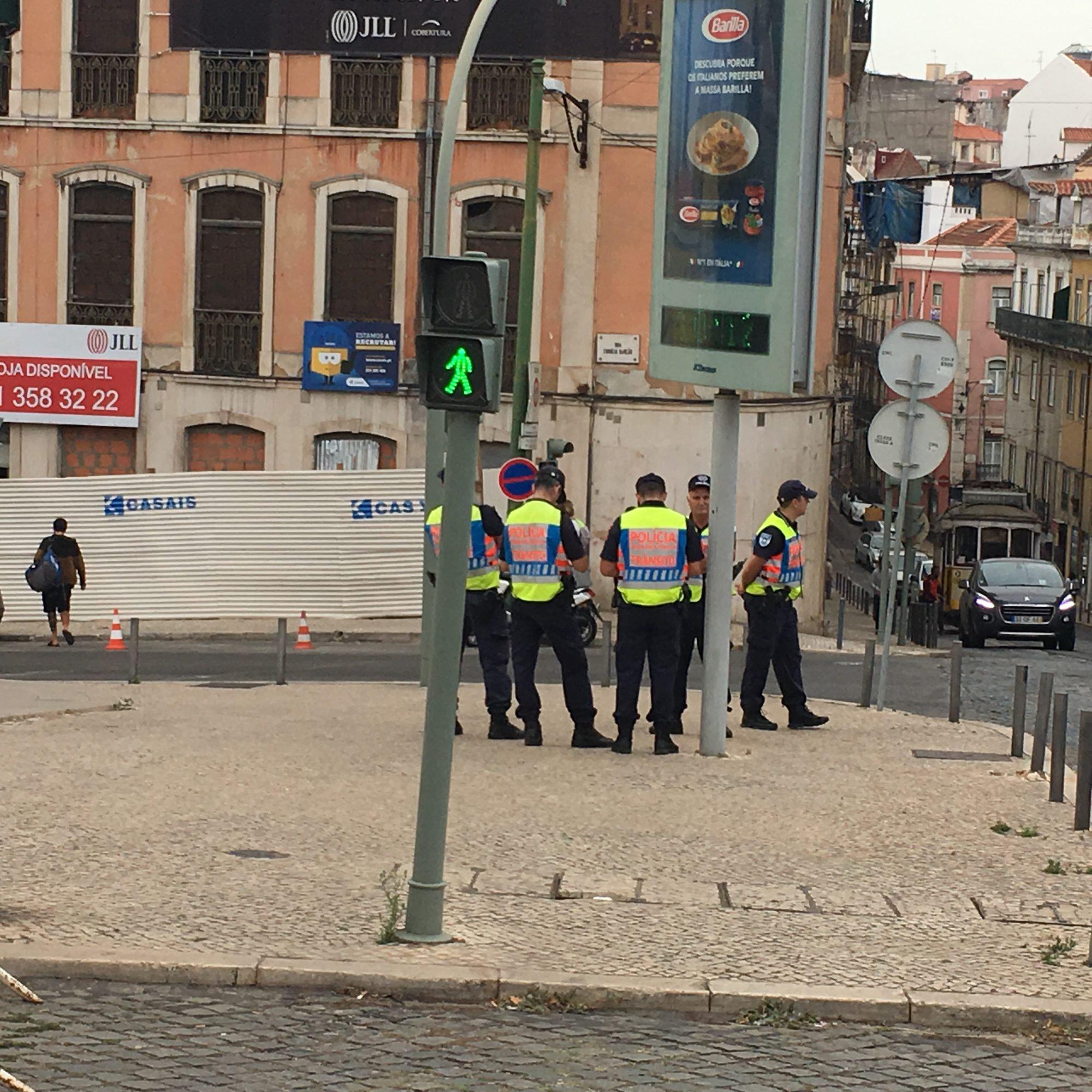 b79141280aca8 Terminou o protesto dos taxistas. Dia 17 vão estar no Palácio de ...
