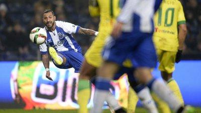 b19275a206 A trivela que curou a confusão e deu um golaço ao FC Porto – Observador
