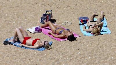 5a6159b7c Porque nos sentimos tão cansados depois da praia  – Observador