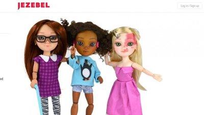 1ce4aeecec Uma boneca com bengala e em cadeira de rodas – Observador