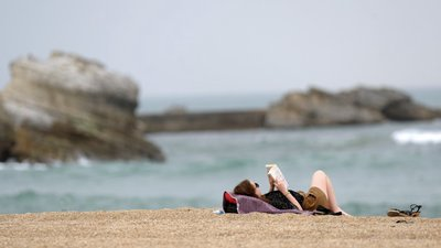 O Que Fazer Na Praia Para Além De Apanhar Sol Observador