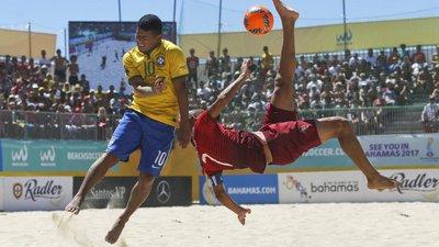 0cf72723b3 Madjer marca golo 1000 pela seleção de Portugal de futebol de praia ...