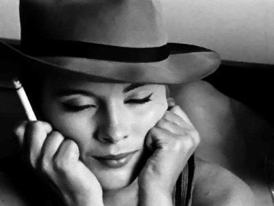 A actriz Jean Seberg no charme mbatível de uma fedora em Breathless 18d4a8653bf