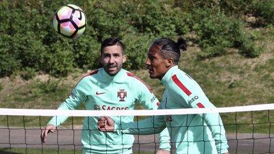Moutinho a um jogo de ultrapassar Rui Costa no Portugal-Hungria ... edd74eaee0400