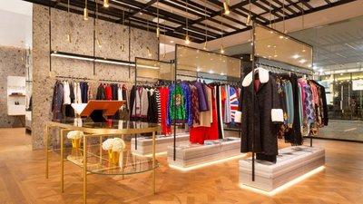 b33df01e9 A nova Fashion Clinic de mulher, na Avenida da Liberdade, está  irreconhecível e com a nova coleção da Gucci em destaque à entrada da loja.