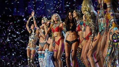 Acha que sabe tudo sobre o desfile da Victoria s Secret  – Observador 251943bd9df