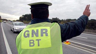 Polícia Judiciária Militar recupera arma roubada a GNR agredido em Castelo  Branco b3b19fd8cba