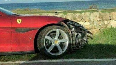 Português destrói o primeiro Ferrari Portofino – Observador 6310acd46fc43