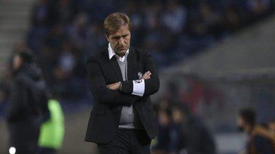 Pedro Martins deixa de ser treinador do Vitória de Guimarães ... 9627e2bd5eef7
