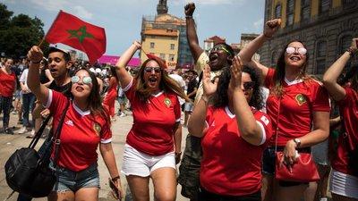 Fotogaleria. Marroquinos juntam-se à festa portuguesa no Porto ... de08d8d8f3b48
