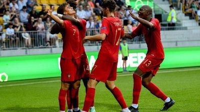 Portugal é campeão da Europa de Sub-19 ao vencer a Itália por 4-3 em final  de loucos 16fa5d09b43b4