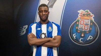 be24946c23 Mercado de transferências fechado  Bazoer no FC Porto