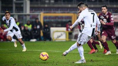 0ab156b237 Ronaldo volta aos golos e decide primeiro dérbi de Turim com marca história  pela Juventus