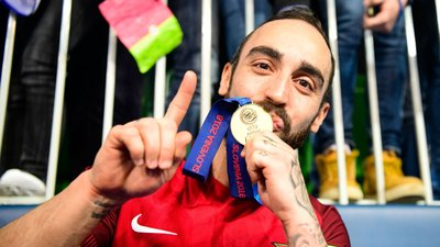 48f869a554 Ricardinho eleito pela sexta vez (quinta consecutiva) o melhor jogador do  mundo