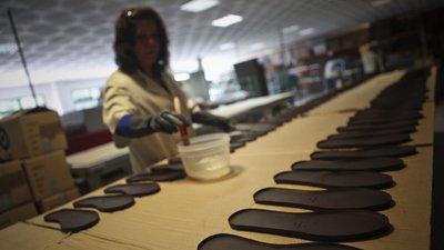 c30ba8215 Portugal terá exportado 1.904 milhões de calçado em 2018, menos 2,85 ...