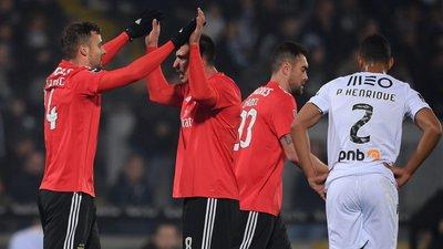 A vitória chegou por feeling. Mas o feeling também dá trabalho (a crónica  do V. Guimarães-Benfica) 073f579ac2ed8