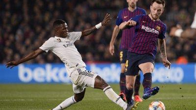 bb5af0f967 Barcelona e Real Madrid empatam e deixam tudo em aberto para a 2.ª mão da  meia-final da Taça (1-1)