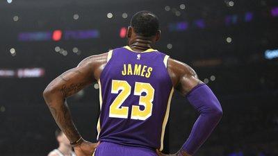 nouveau style 53ba3 1ce3d LeBron James ultrapassa Michael Jordan em número de pontos ...