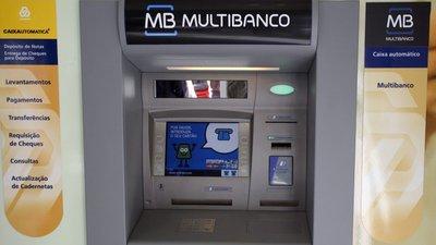 932f62a7c Governo avisa que taxas no Multibanco são ilegais