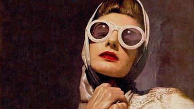fb61c4a23 Os óculos de sol marcaram a evolução da moda e do estilo nos últimos 70  anos. Na fotogaleria, veja os modelos icónicos, mas também as tendências  deste verão
