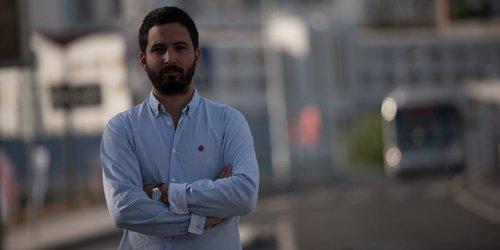 """Diário do País. Bloco critica contratos """"abençoados pelo cartão partidário""""  em Loures 7ff583156ed7b"""