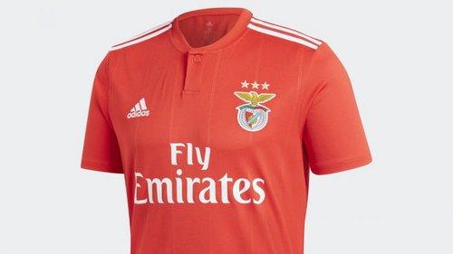 Adidas Brasil vende camisola nova do Benfica antes da