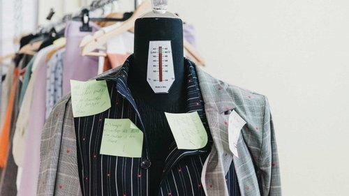 14 Peças de roupa que favorecem a mulher independente da idade