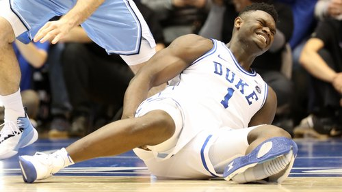 A sapatilha destruiu se, Zion Williamson lesionou se e até