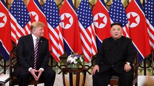 Trump e Kim começam madrugada de negociações 2cd463f3a984d