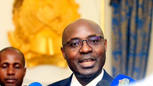 Resultado de imagem para ativista angolano Rafael Marques