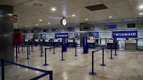 Ryanair obrigada a readmitir trabalhadores despedidos em Espanha ...