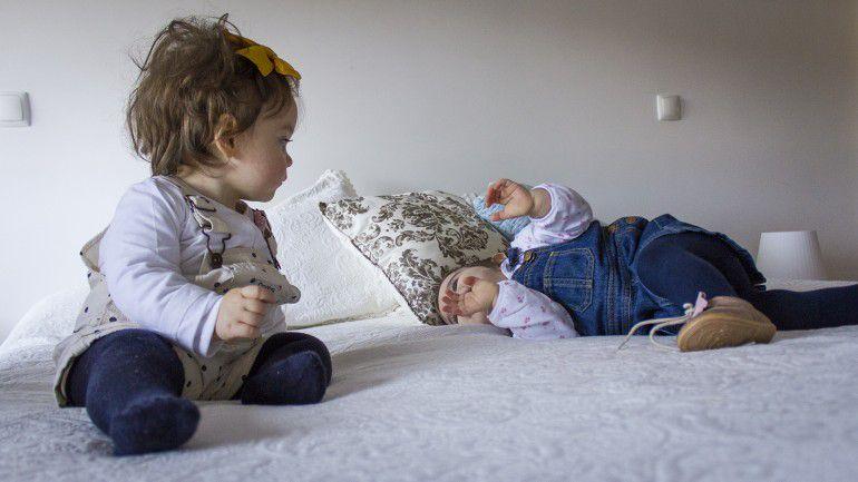 65ba04f04a Até quando devem os filhos dormir no quarto dos pais  – Observador