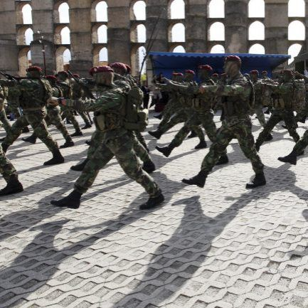Comandos. 19 militares acusados de 489 crimes – Observador ea325271f14