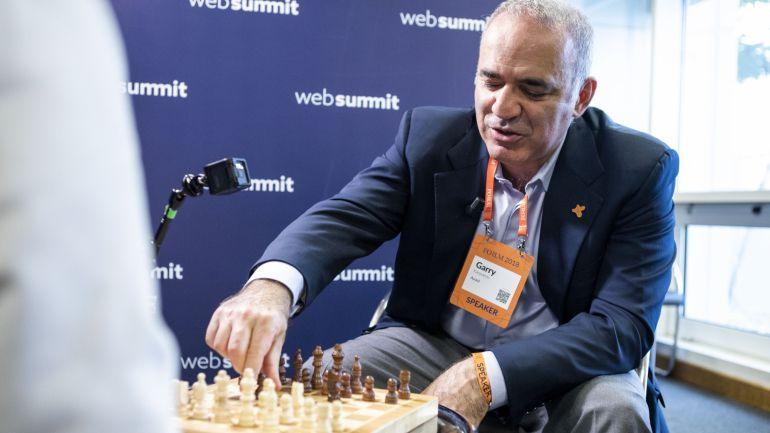 """Garry Kasparov  """"O público ocidental não quer ouvir falar sobre Putin"""" –  Observador 75767445460"""