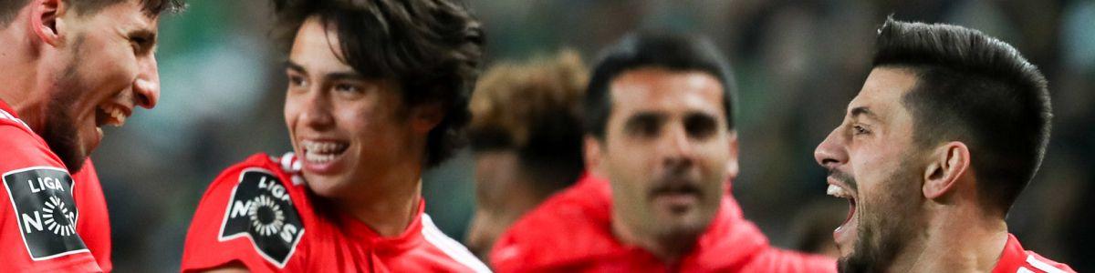 Benfica goleia Sporting em Alvalade num jogo com muito VAR (2-4) –  Observador 885a38e4ecd95