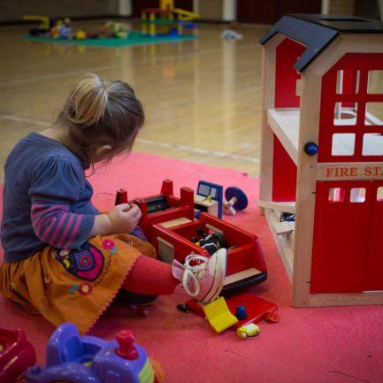 Três horas para brincar e pelo menos 10 horas para dormir. As recomendações da OMS para crianças com menos de 5 anos