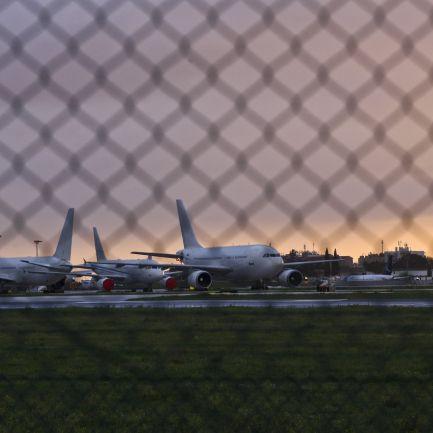 Governo autoriza encerramento definitivo de pista secundária do aeroporto de Lisboa