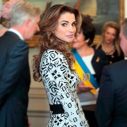 E Uma Rainha De Causas Mas Tambem Um Icone De Estilo Os 50 Anos De Rania Da Jordania Em Imagens Observador