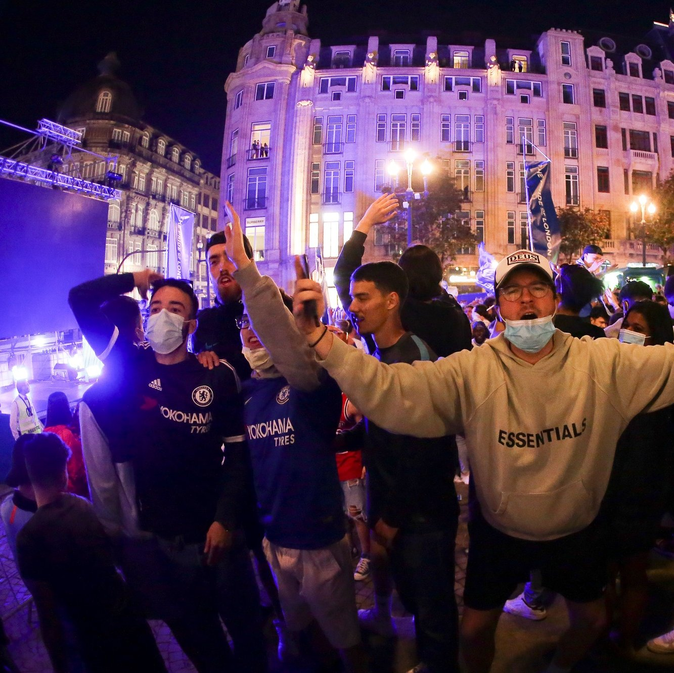 Chelsea supporters celebrate in Avenida dos Aliados after their team defeated Manchester City in the final of UEFA Champions League soccer match held in Porto, Portugal, 29th May 2021.  MANUEL FERNANDO ARAUJO/LUSA