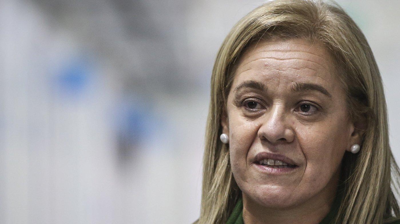 A presidente da Câmara Municipal da Amadora, Carla Tavares, discursa durante a inauguração da nova área dedicada a doentes respiratórios do Hospital Fernando Fonseca (Amadora-Sintra), em Lisboa, 14 de dezembro de 2020. RODRIGO ANTUNES/LUSA