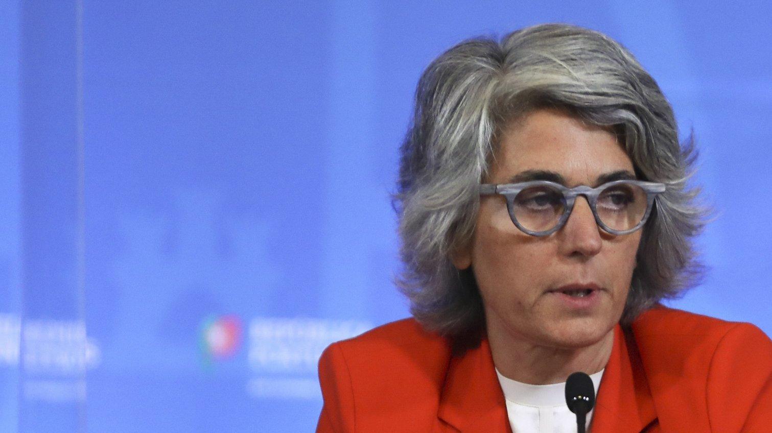 A ministra da Cultura, Graça Fonseca, fala aos jornalistas durante a conferência de imprensa no final da reunião do Conselho de Ministros, no Palácio da Ajuda, em Lisboa, 21 de outubro de 2021. ANTÓNIO COTRIM/LUSA