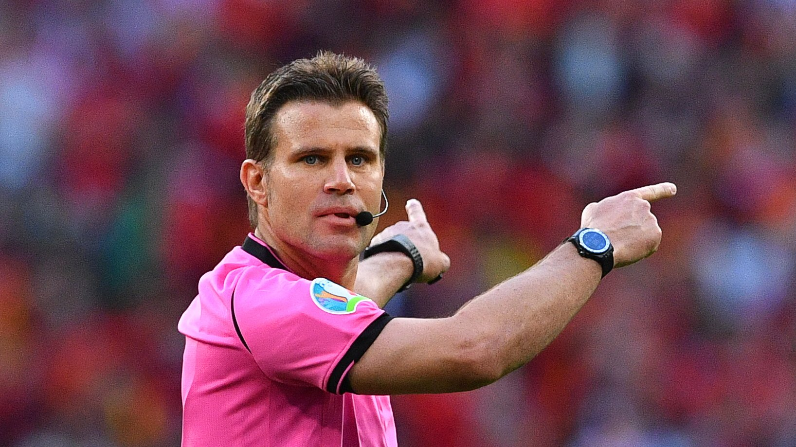 epa09326641 German referee Felix Brych gestures during the UEFA EURO 2020 semi final between Italy and Spain in London, Britain, 06 July 2021.  EPA/Justin Tallis / POOL (RESTRICTIONS: For editorial news reporting purposes only. Images must appear as still images and must not emulate match action video footage. Photographs published in online publications shall have an interval of at least 20 seconds between the posting.)