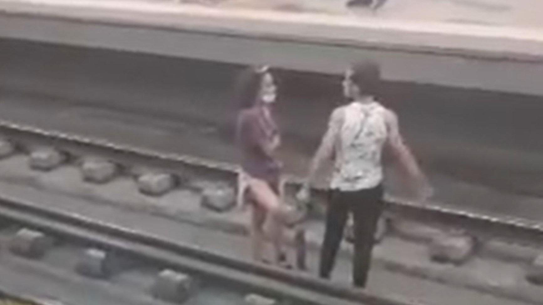 Metro de Lisboa, Olaias, casal a discutir