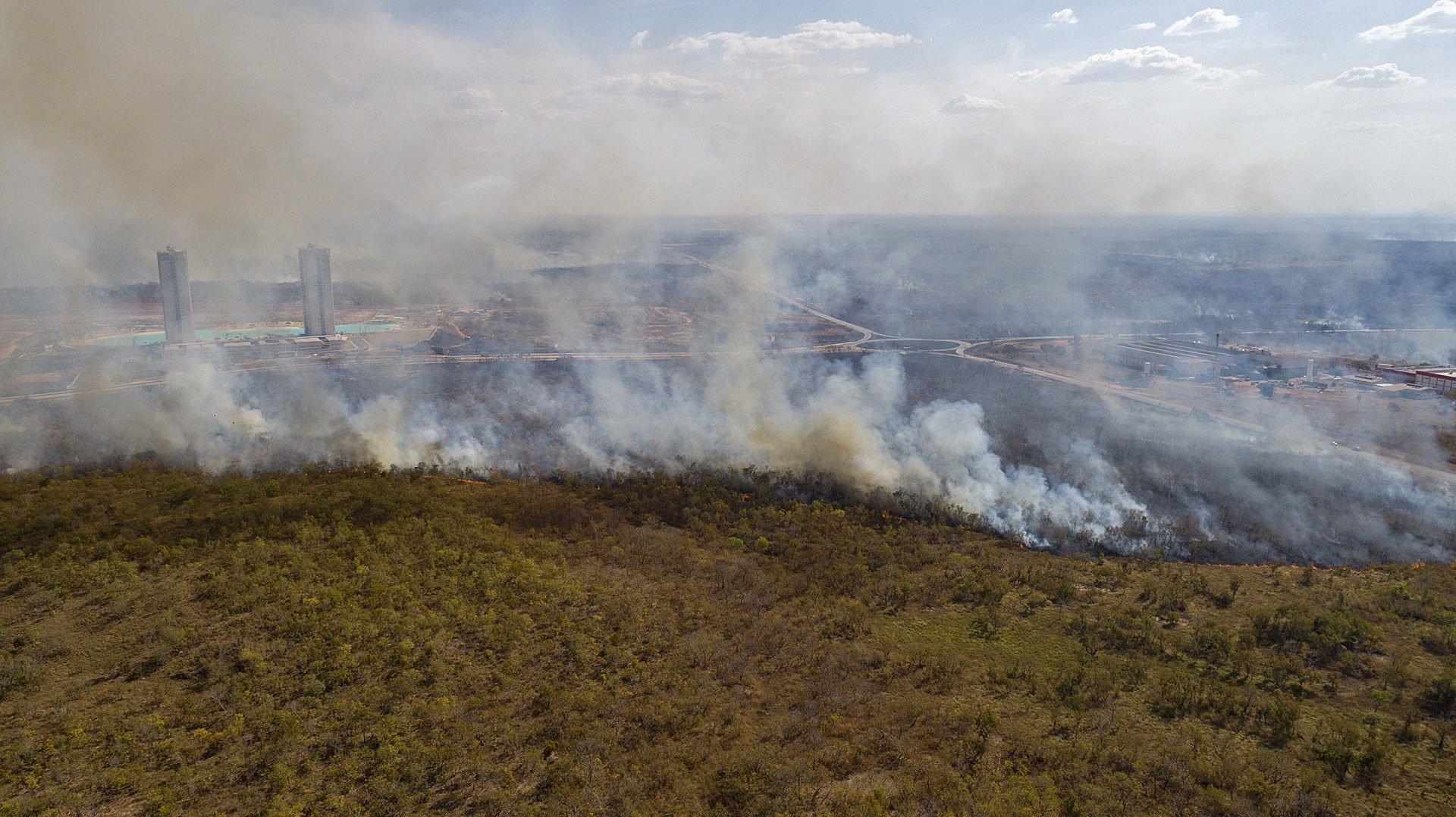 epa08604331 Aerial view of a forest fire near the city of Cuiaba, in the state of Mato Grosso, Brazil, 14 August 2020. The Brazilian Amazon, which is home to the largest tropical forest in the world, is on its way to close 2020 with a record of devastated area, after the so-called 'deforestation alerts' have grown by 33% in the year-on-year period that ended last July. The Brazilian Pantanal, a biodiversity sanctuary located in the southern Amazon, faces similar threats.  EPA/ROGERIO FLORENTINO