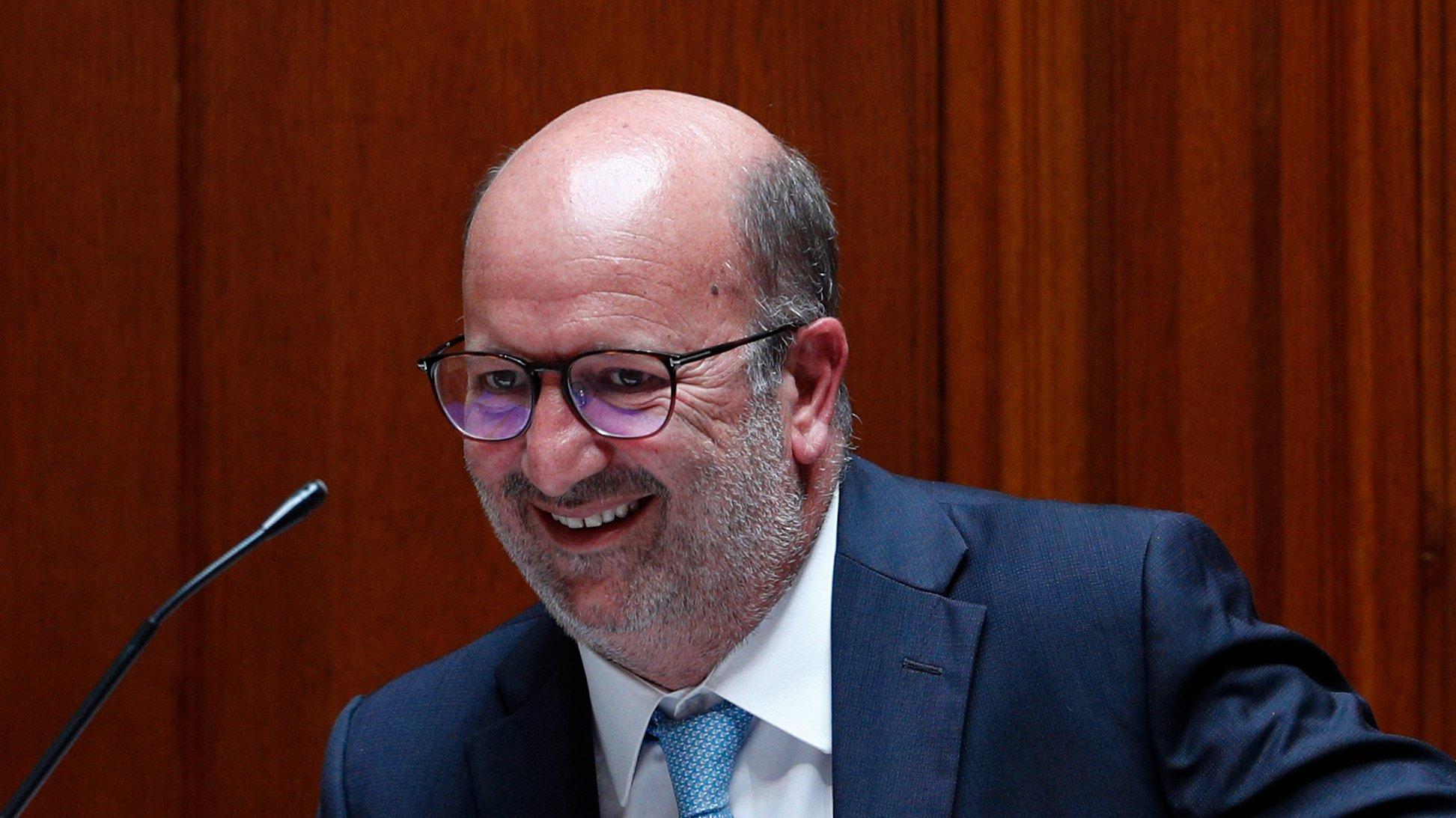 O ministro do Ambiente, João Matos Fernandes, intervêm durante o debate sobre Política Setorial, que decorreu na Assembleia da República, em Lisboa, 16 de junho de 2021. ANTÓNIO COTRIM/LUSA