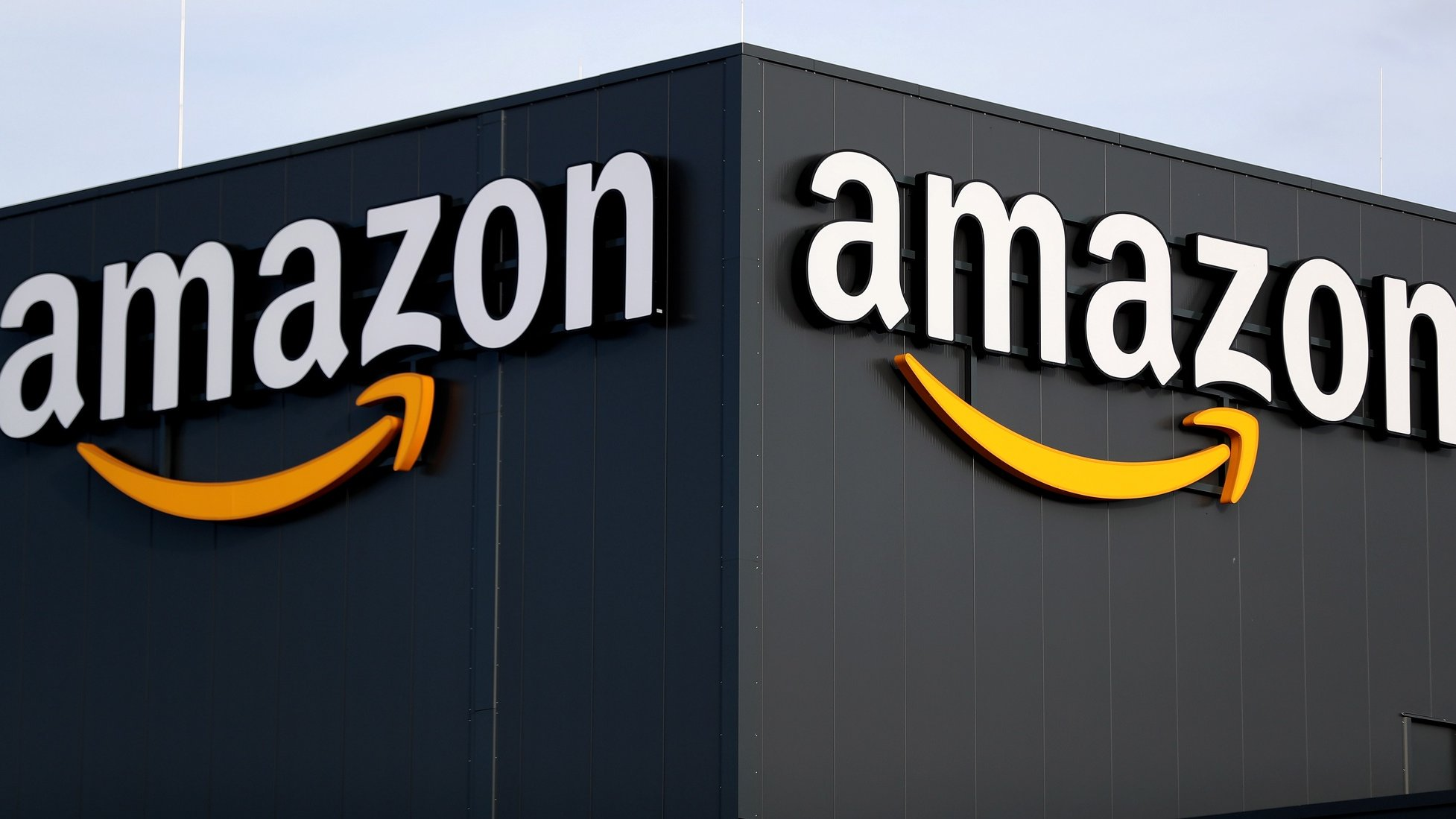 epa08873754 (FILE) A general view of the Amazon logistic and distribution center in Moenchengladbach, Germany, 17 December 2019 (reissued 10 December 2020). According to media reports on 10 December 2020, French data privacy regulator CNIL will impose over 100 million euros fines on US companies Google and Amazon for breaching EU privacy data rules. According to media reports, Google will have to pay 100 million euros and Amazon 35 million euros fines.  EPA/FRIEDEMANN VOGEL *** Local Caption *** 55834561