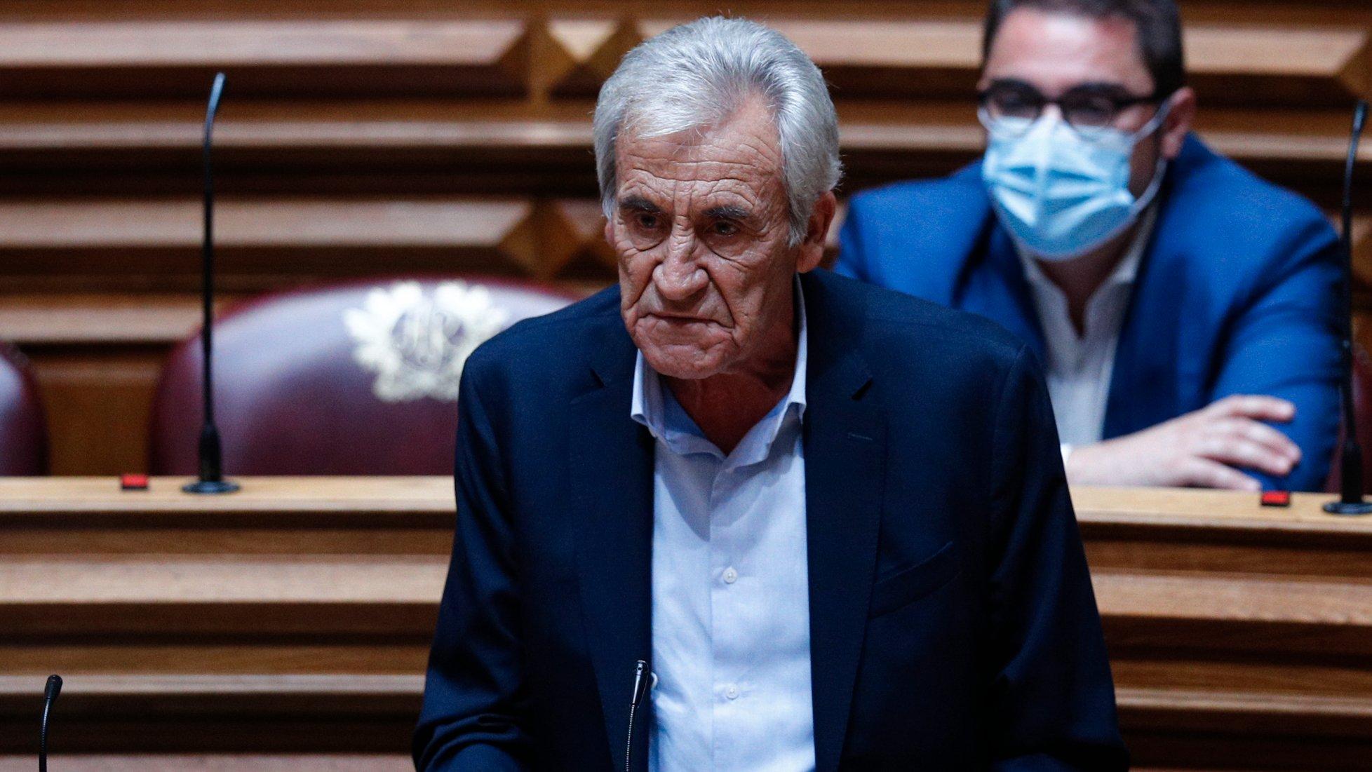 O secretário-geral do Partido Comunista Português (PCP), Jerónimo de Sousa, intervém durante o debate sobre política geral, na Assembleia da República, em Lisboa, 07 de outubro de 2021. ANTÓNIO COTRIM/LUSA