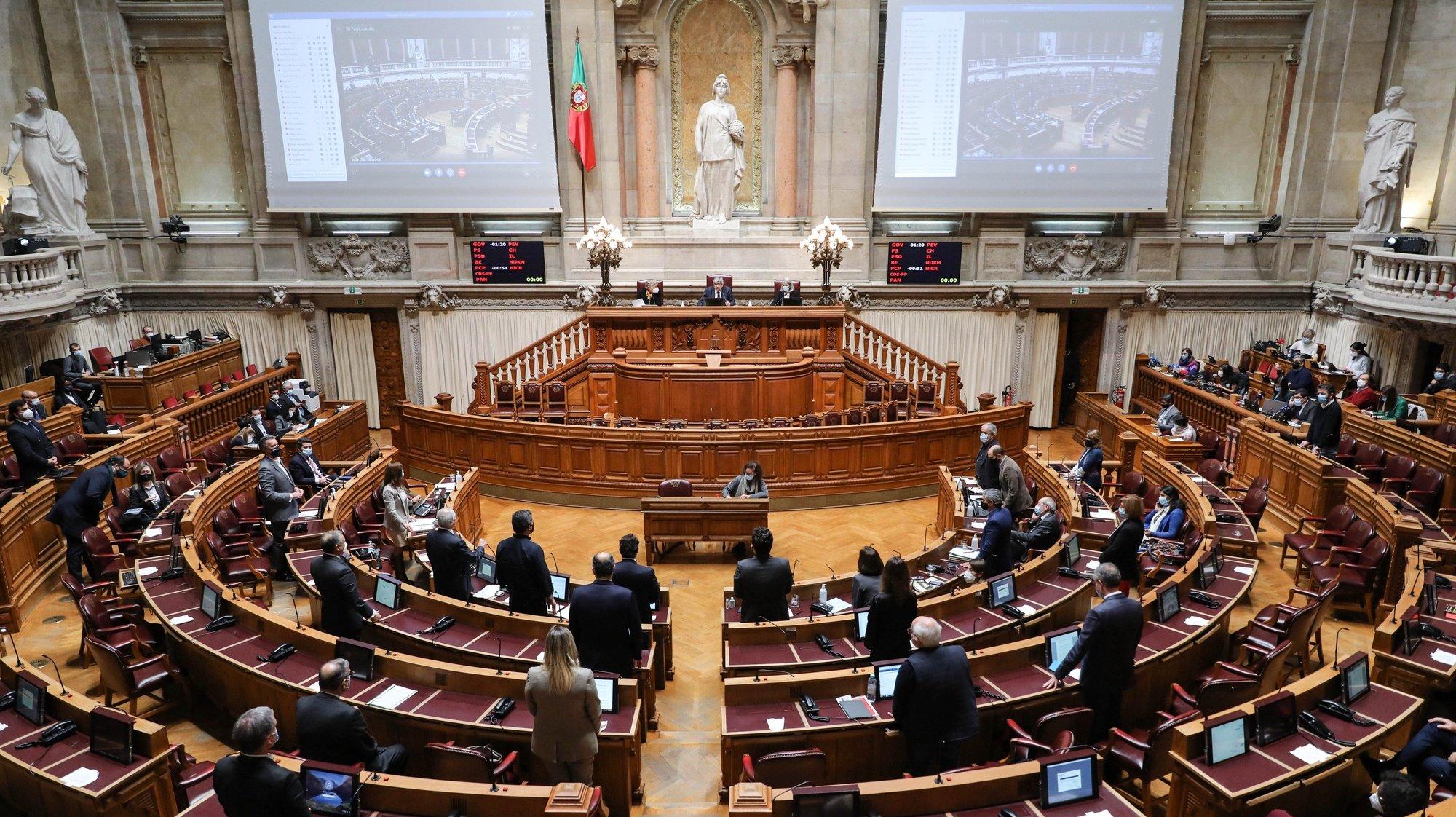 Deputados durante a votação final global da despenalização da morte medicamente assistida, esta tarde na Assembleia da República, em Lisboa, 29 de janeiro de 2021. MIGUEL A. LOPES/LUSA