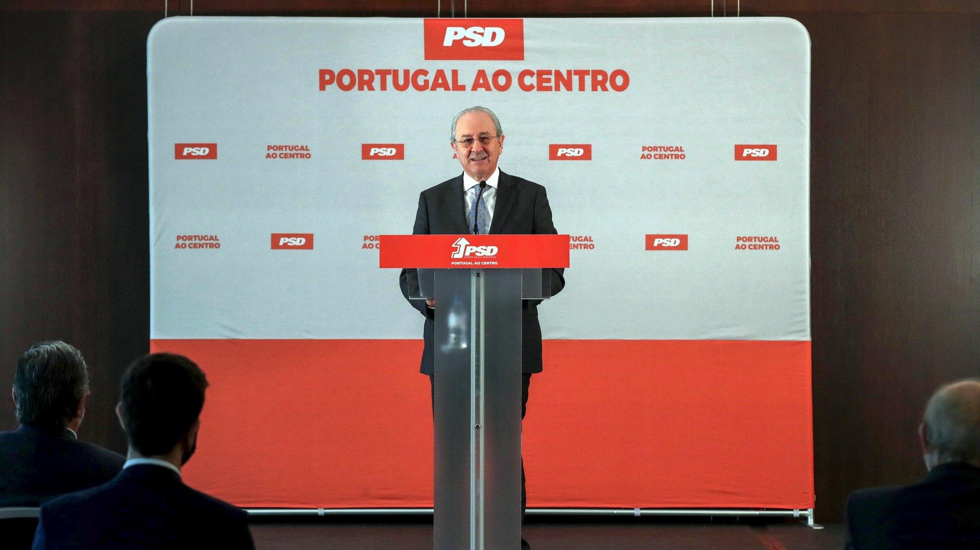 O presidente do PSD, Rui Rio, durante uma declaração de reação sobre a Operação Marquês e o estado da Justiça, num hotel do Porto, 12 de abril de 2021. ESTELA SILVA/LUSA