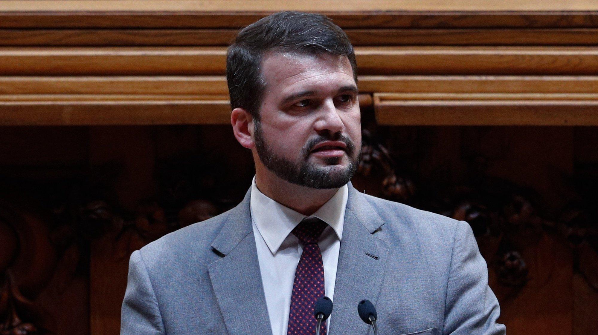 O deputado do Partido Socialista (PS), João Paulo Correia, intervém durante o debate na Assembleia da República, em Lisboa, 14 de outubro de 2020. ANTÓNIO COTRIM/LUSA